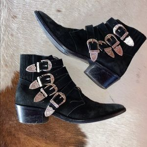 Black Toga Pulla booties